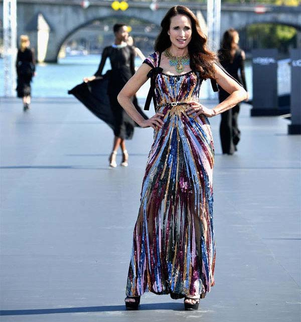 THE ACTRESS ANDIE MACDOWELL RETURNS ON THE FASHION STAGE